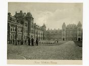 Gent: Gaspar De Crayerstraat: Kaiser Wilhelm-Kaserne, later Leopoldskazerne: binnenkoer met soldaten, schietoefening, 1915-1916