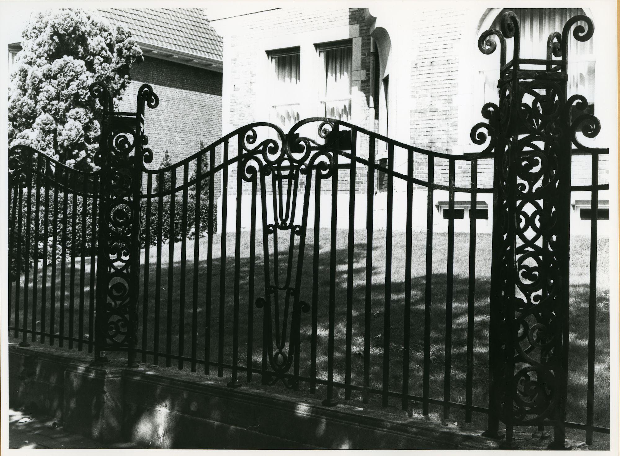 Gent: Paul de Smet de Naeyerplein 17: Hek, 1979