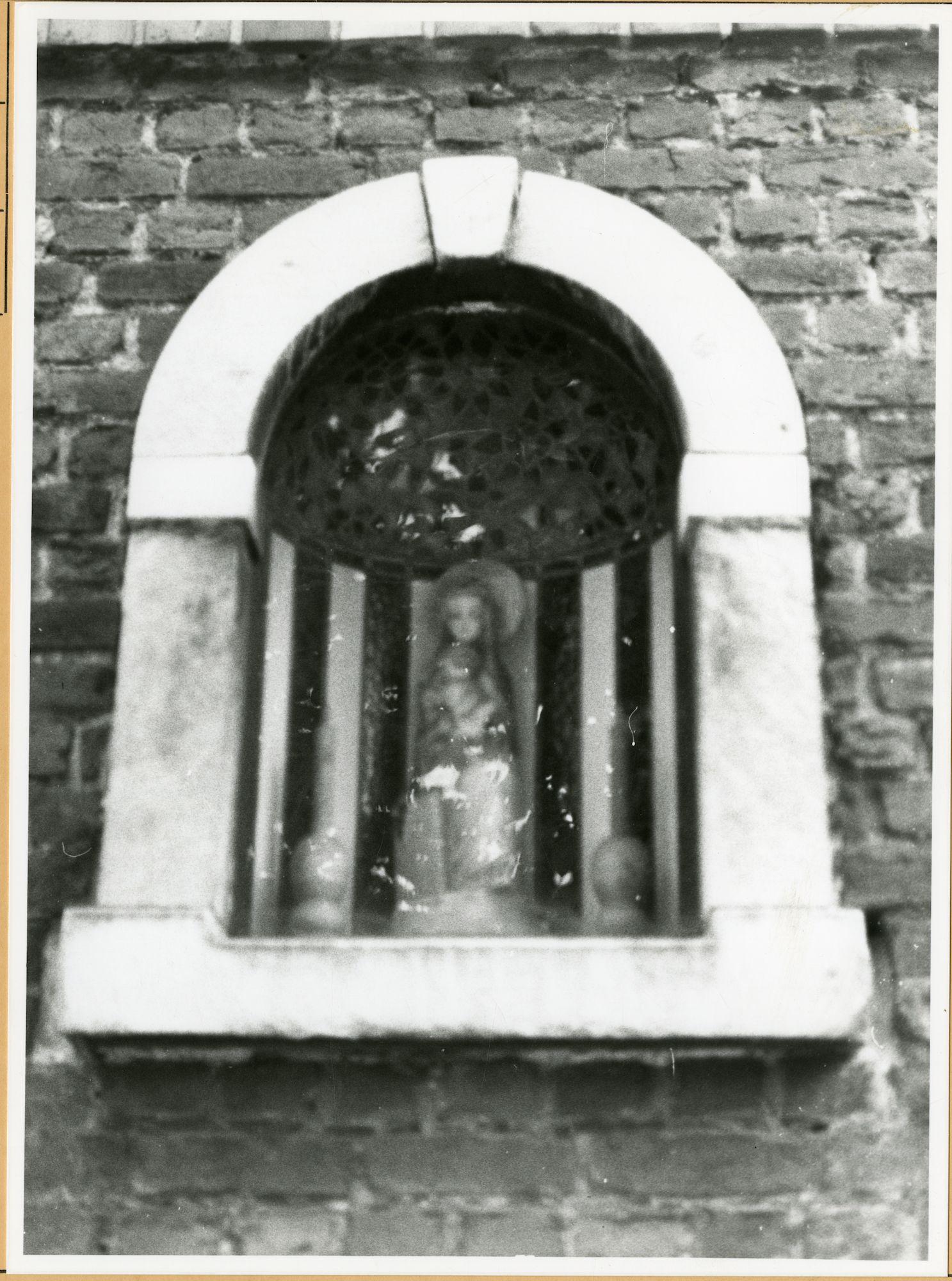 Gent: Francisco Ferrerlaan 116: niskapel: Sedes Sapientae, 1979