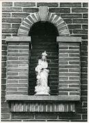 Mariakerke: Elfnovemberstraat 2: Gevelbeeld, 1979