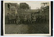 Gent: groepsportret van het personeel van het Etappen-Sanitätsdepot (hoofdapotheek van de etappe), 1915-1916