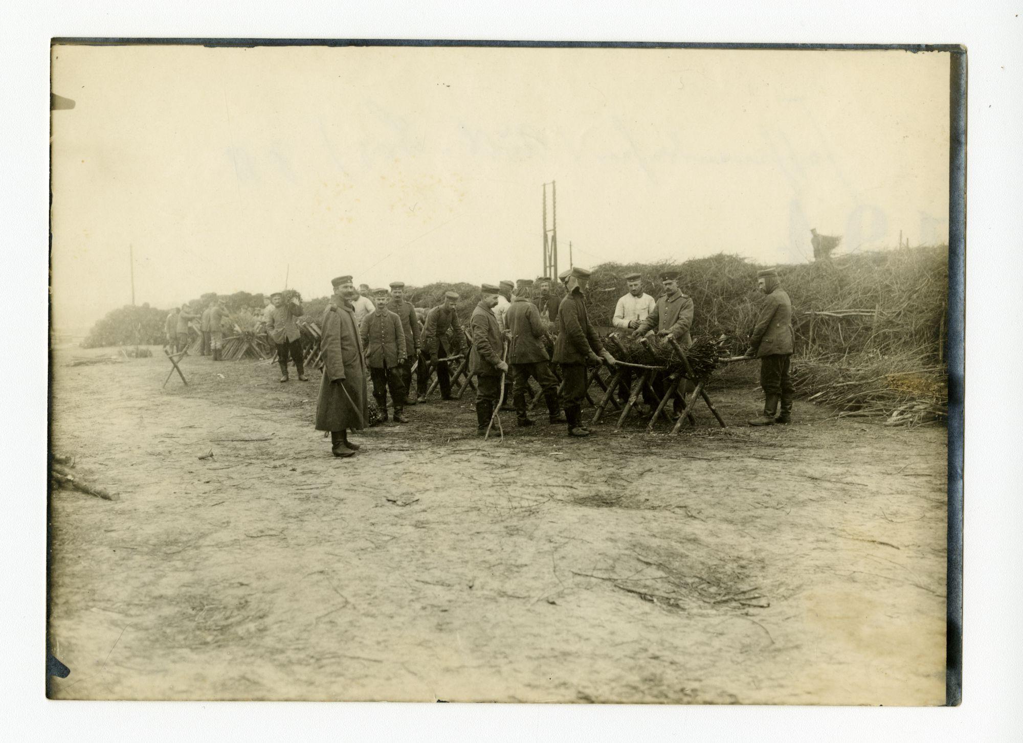 Melle: maken van takkenbossen, 1915-1916