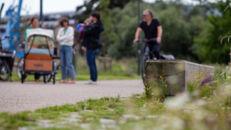 20210817_Oude Dokken_Houtdok_Openbaar Domein_Zitbanken_groen_wandelaars_fietsers_0040.jpg