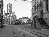 Gent: Sint-Niklaaskerk, Emile Braunplein en Goudenleeuwplein: zicht vanop het Sint-Baafsplein, aan de voet van de Lakenhal