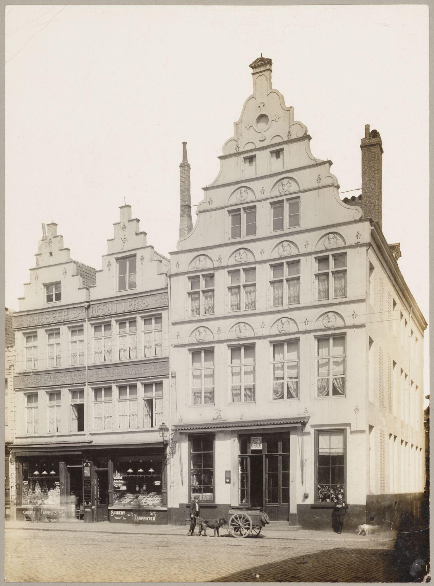 Gent: Huis De Gekroonde Hoofden, hoek Burgstraat en Gewad