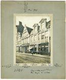 Gent: Lange Violettestraat. Gerestaureerde huizen. Tramsporen