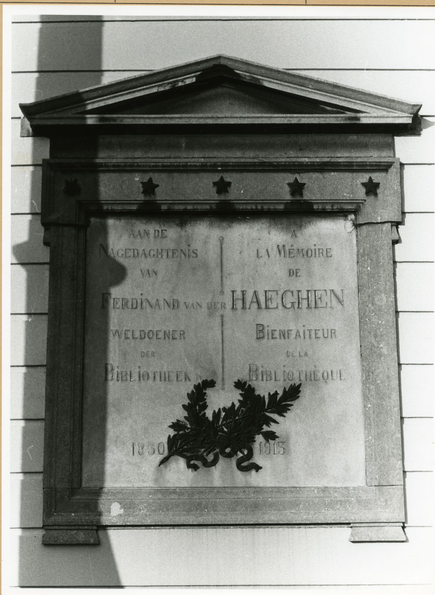 Gent: Bibliotheekstraat - Ottogracht: Baudeloabdij: Gedenkplaat: Ferdinand Van Der Haeghen