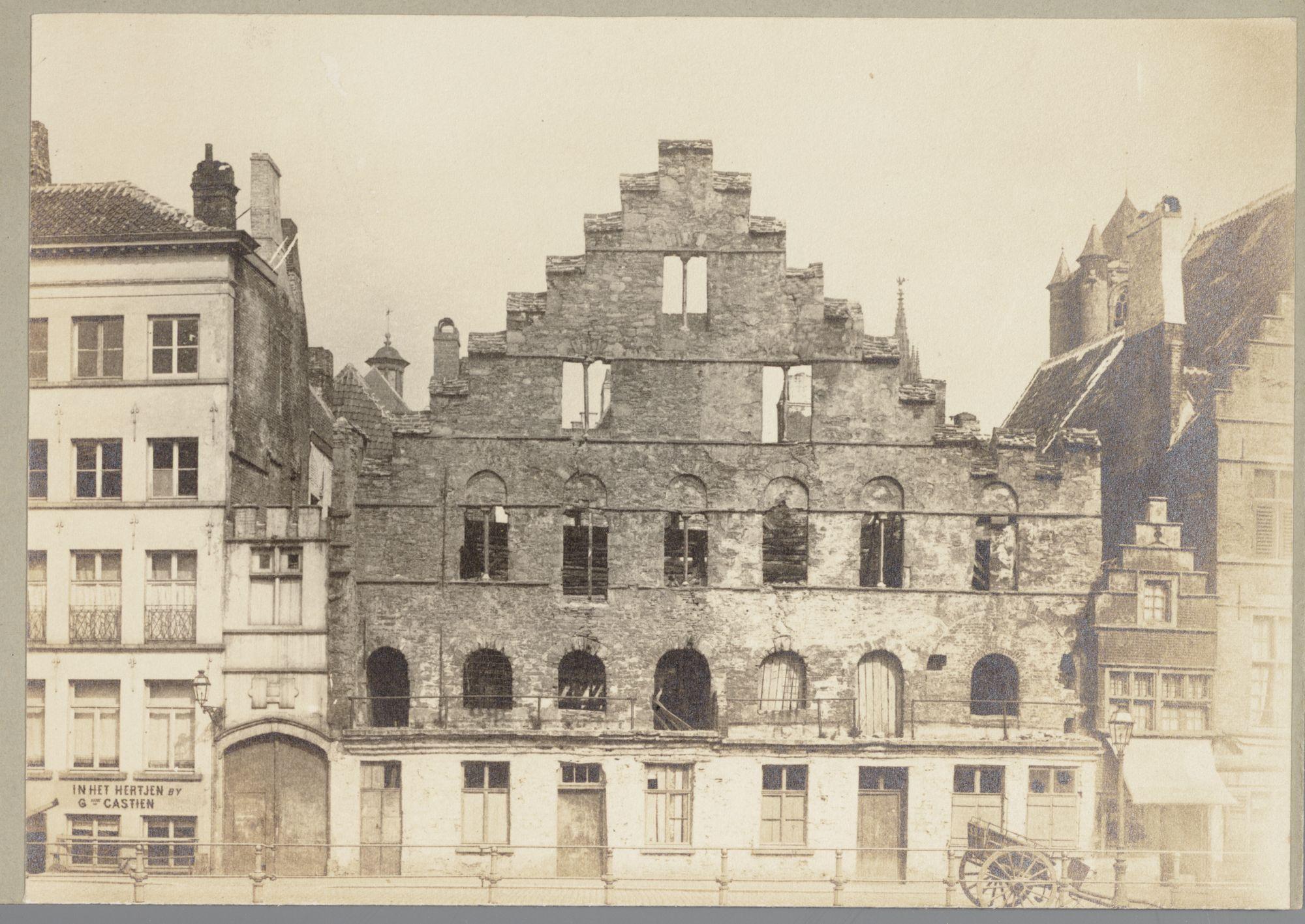 Gent: Korenstapelhuis Graslei na de brand op 25 februari 1896