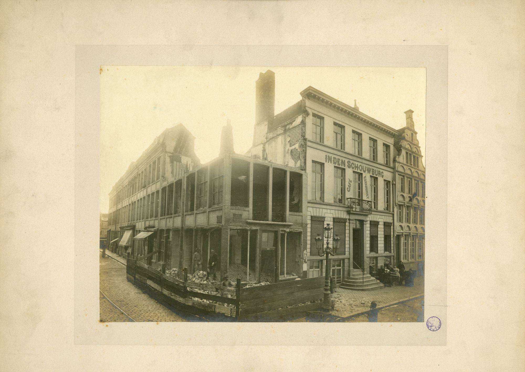 Gent: Korenmarkt en Sterrestraat,Pakhuis, Postgebouw, Schouwburg