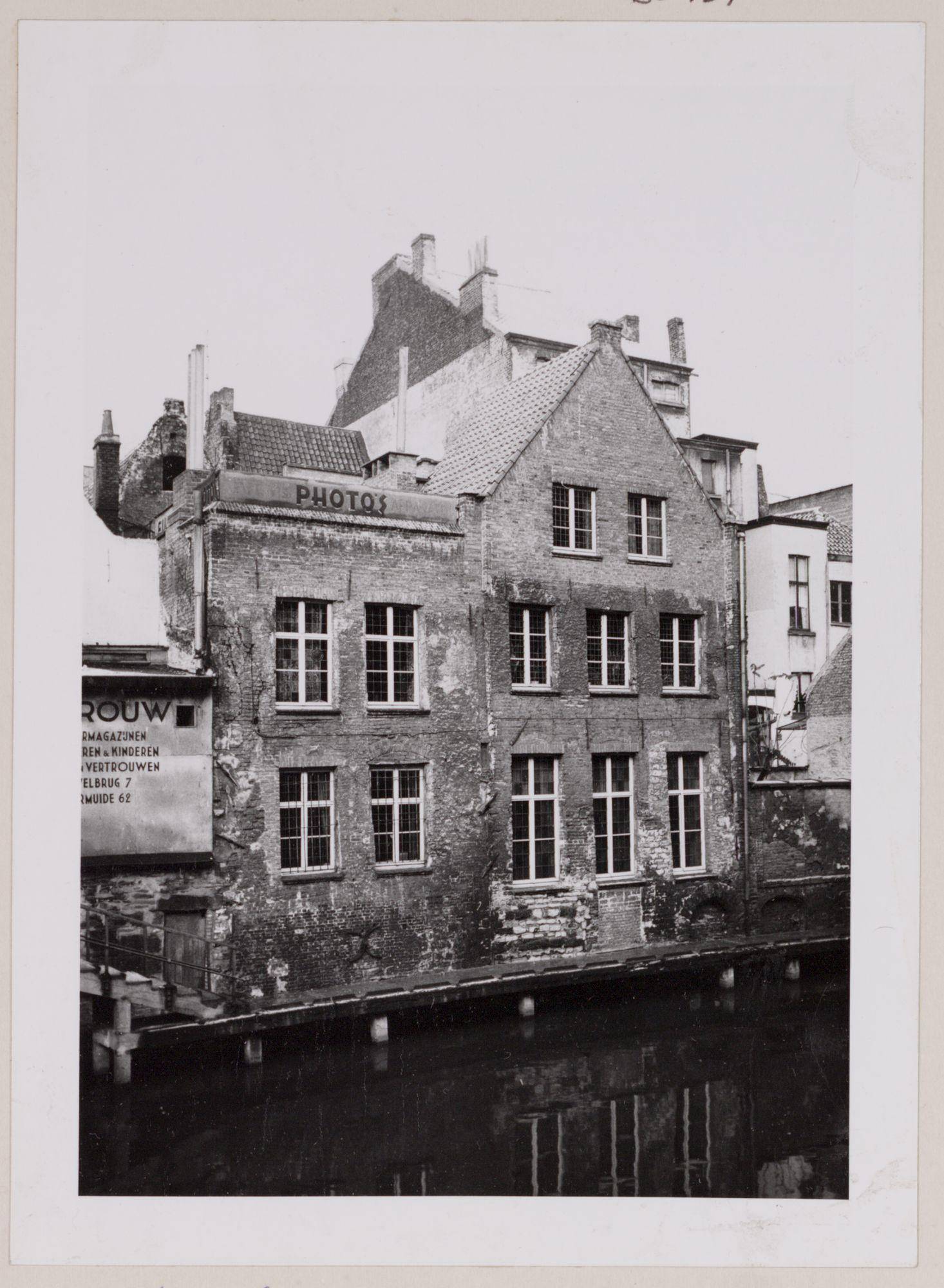 Gent: Leie en achtergevel van Oudburg 4