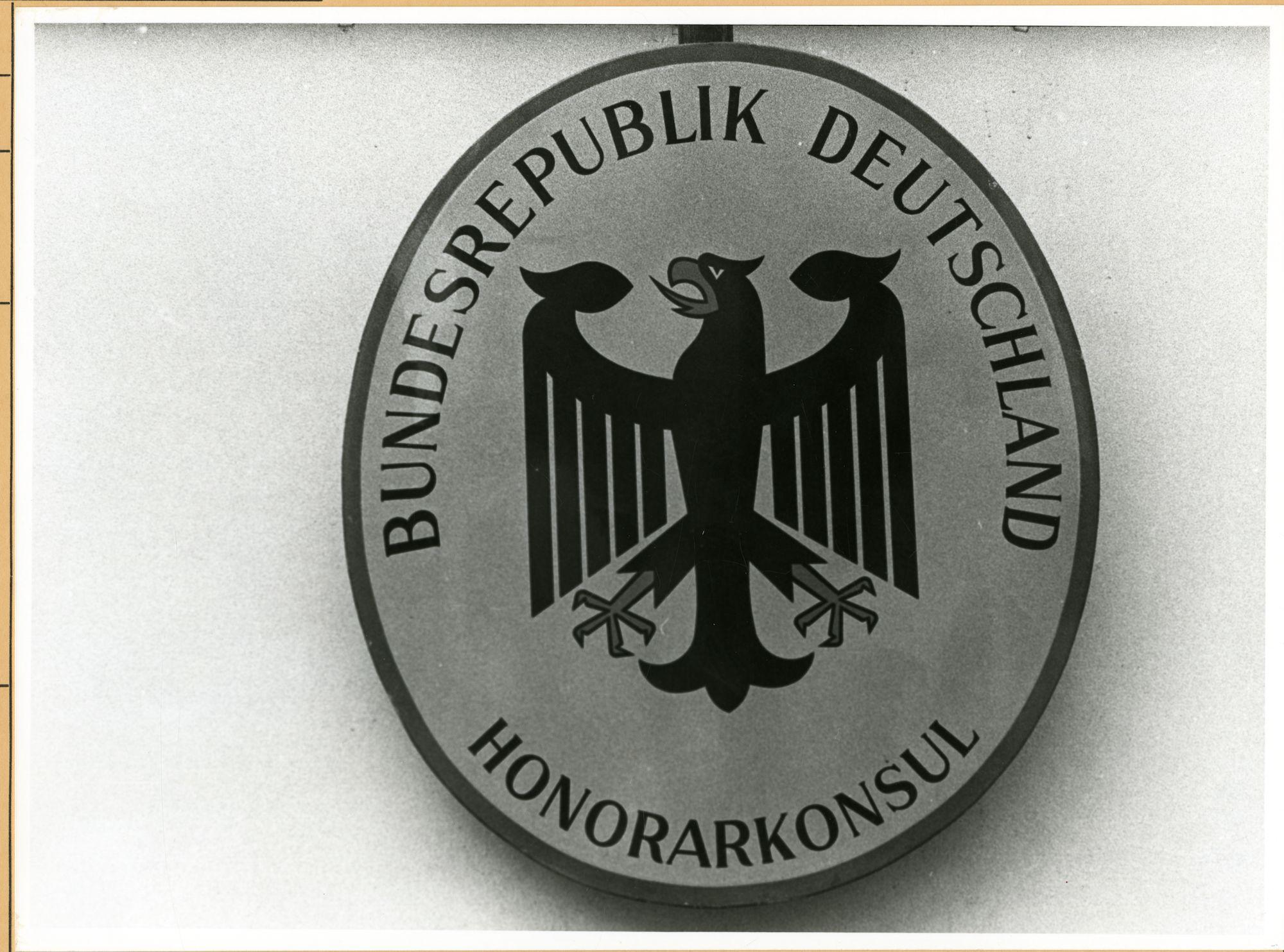 Gent: Doornzelestraat 82: uithangbord: Duits consulaat