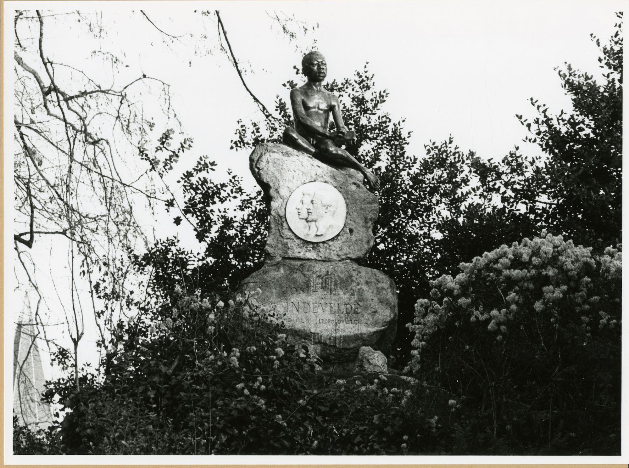 Gent: Citadelpark: Standbeeld: het Moorke