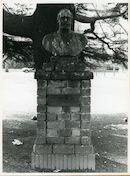 Gent: Paul de Smet de Naeyerplein: Borstbeeld, 1979