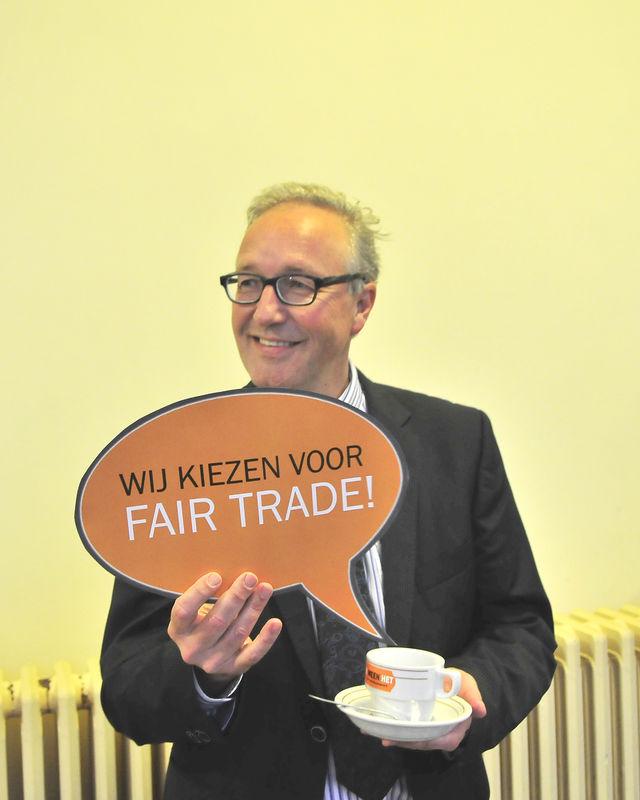 Gentse gemeenteraadsleden gaan op de foto voor Fairtrade 05