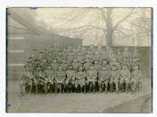 Gent: Kouter: groepsportret van het personeel van de Wirtschaftsausschuss (economische inspectie van het Duitse leger), 1915-1916