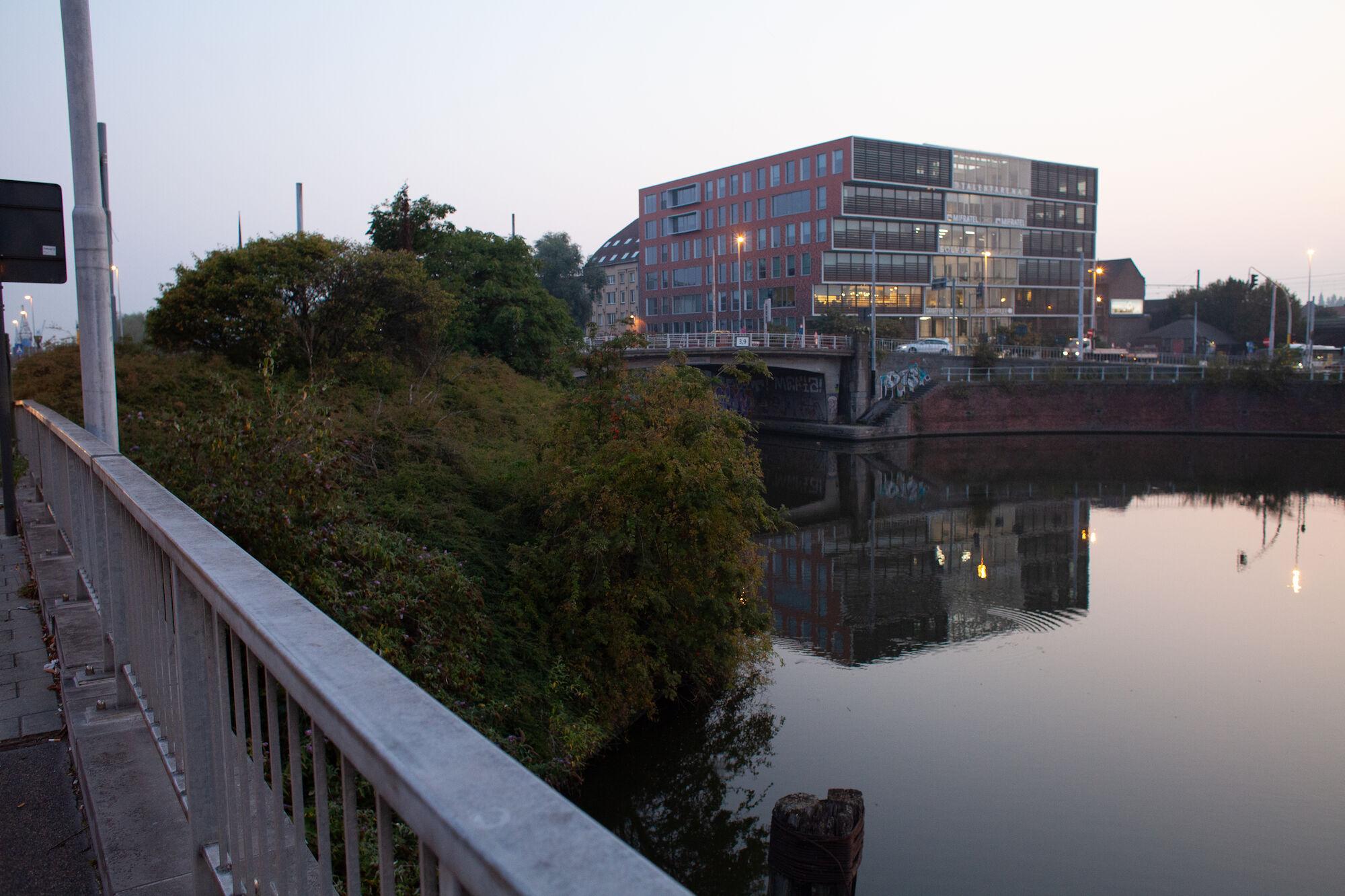 2019-08-27 Wijk Dampoort_ochtend_draaikom_verkeer-IMG_0892.jpg