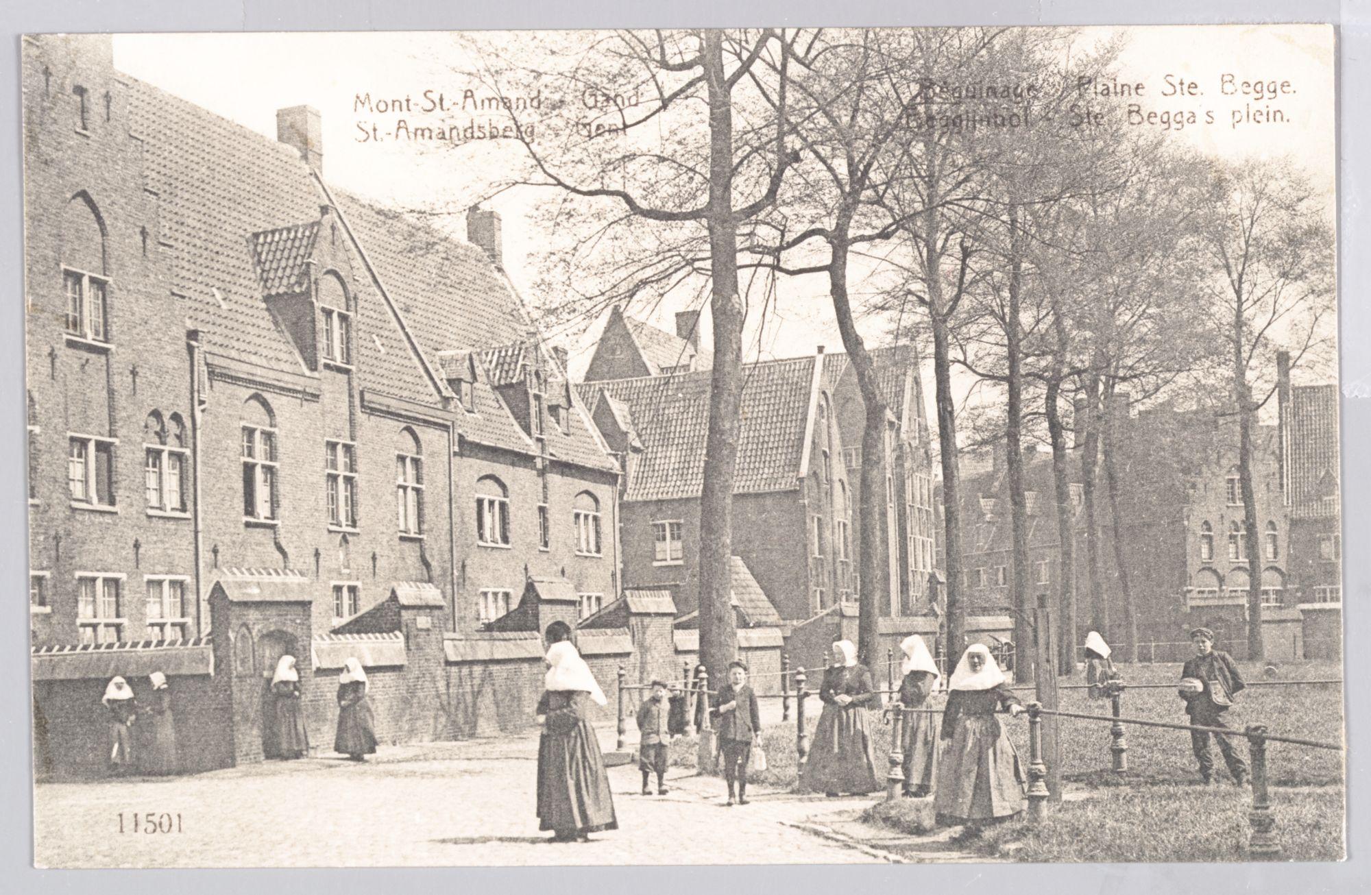 Sint-Amandsberg: Groot Begijnhof: begijnen en kinderen op het binnenplein (Sint-Beggaplein)
