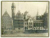 Gent: Graslei en Korenlei. Graslei met Korenmetershuis, Huis der Vrije Schippers, Postgebouw met toren. Korenlei met disselwagens