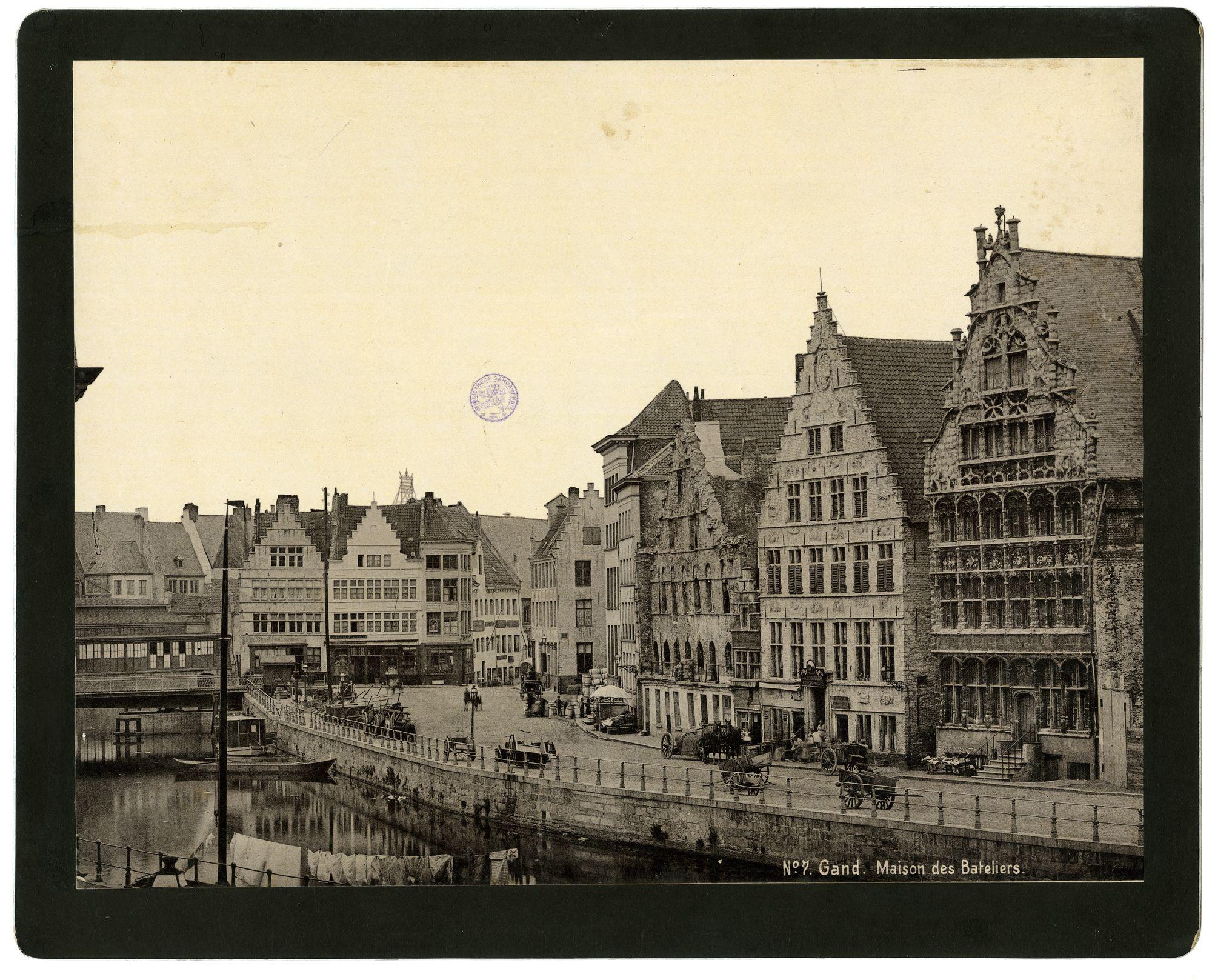 Gent: Graslei, Grasbrug,Oude Vismijn en Maison des Bateliers