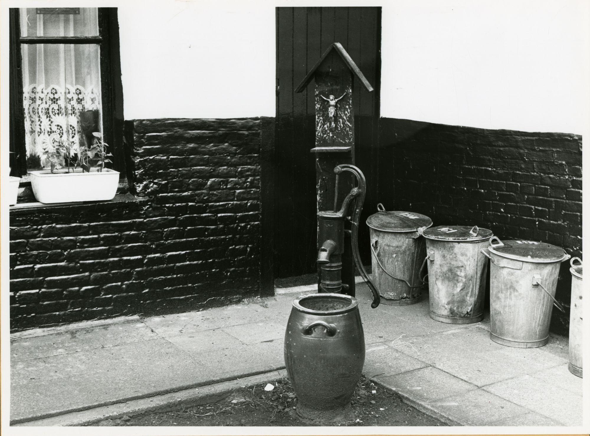 Gent: Dendermondsesteenweg 123: waterpomp, 1979