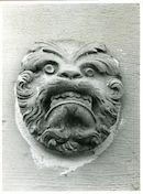 Gent: Nodenaysteeg 3: Beeldhouwwerk, 1979