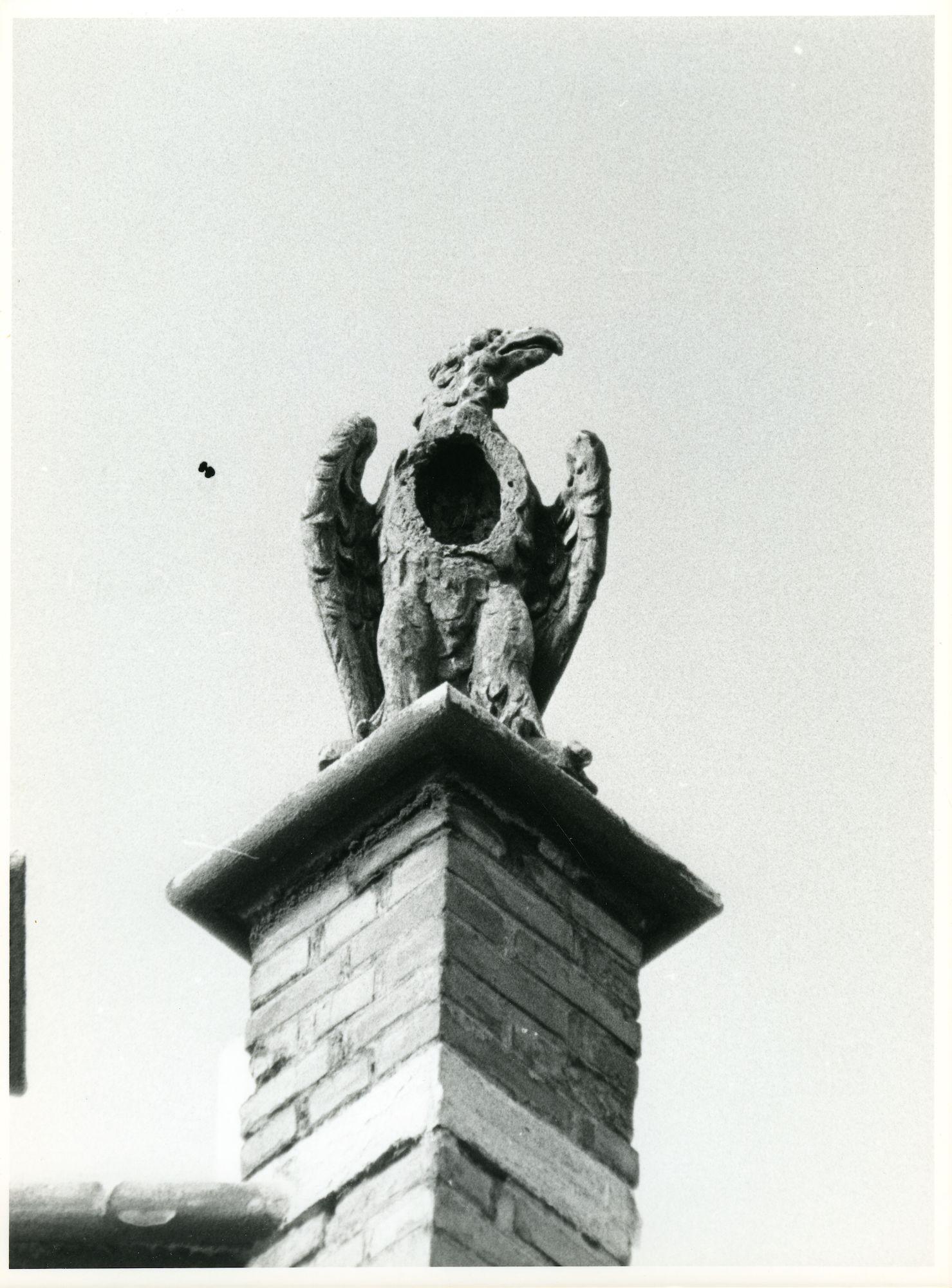 St.-Amandsberg: Bloemistenstraat 30: Beeldhouwwerk, 1979