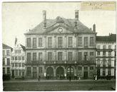 Gent: Korenmarkt met Pakhuis, voor de afbraak voor de bouw van het nieuwe Postgebouw