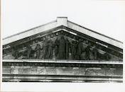 Gent: Koophandelsplein: gerechtsgebouw: fries met gevelbeelden, 1980