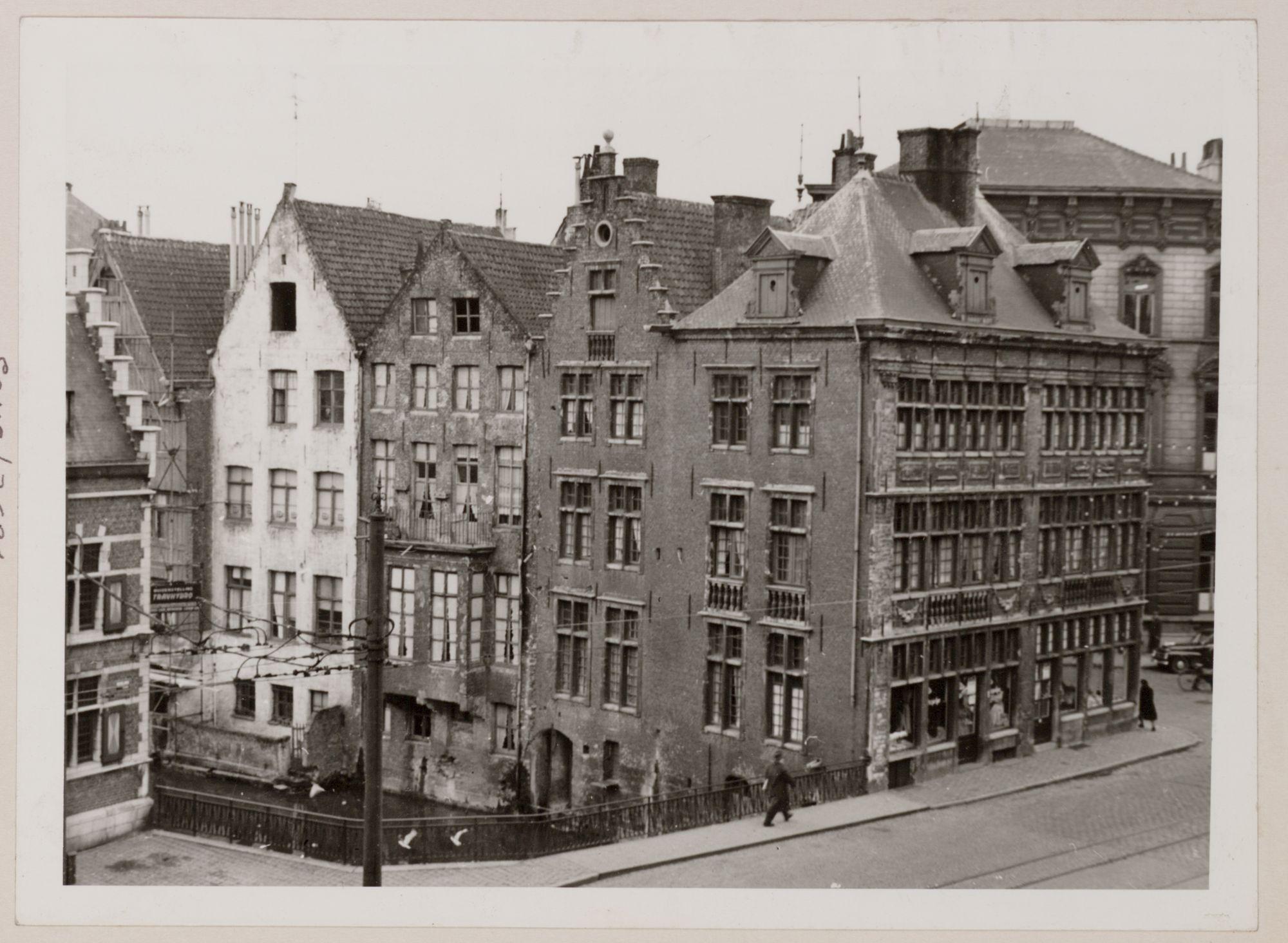 Gent: Hoofdbrug over de Lieve, hoek Jan Breydelstraat (r.) en Rekelingestraat