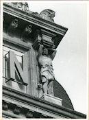 Gent: Vrijdagmarkt 9-10: Kariatiden, 1979