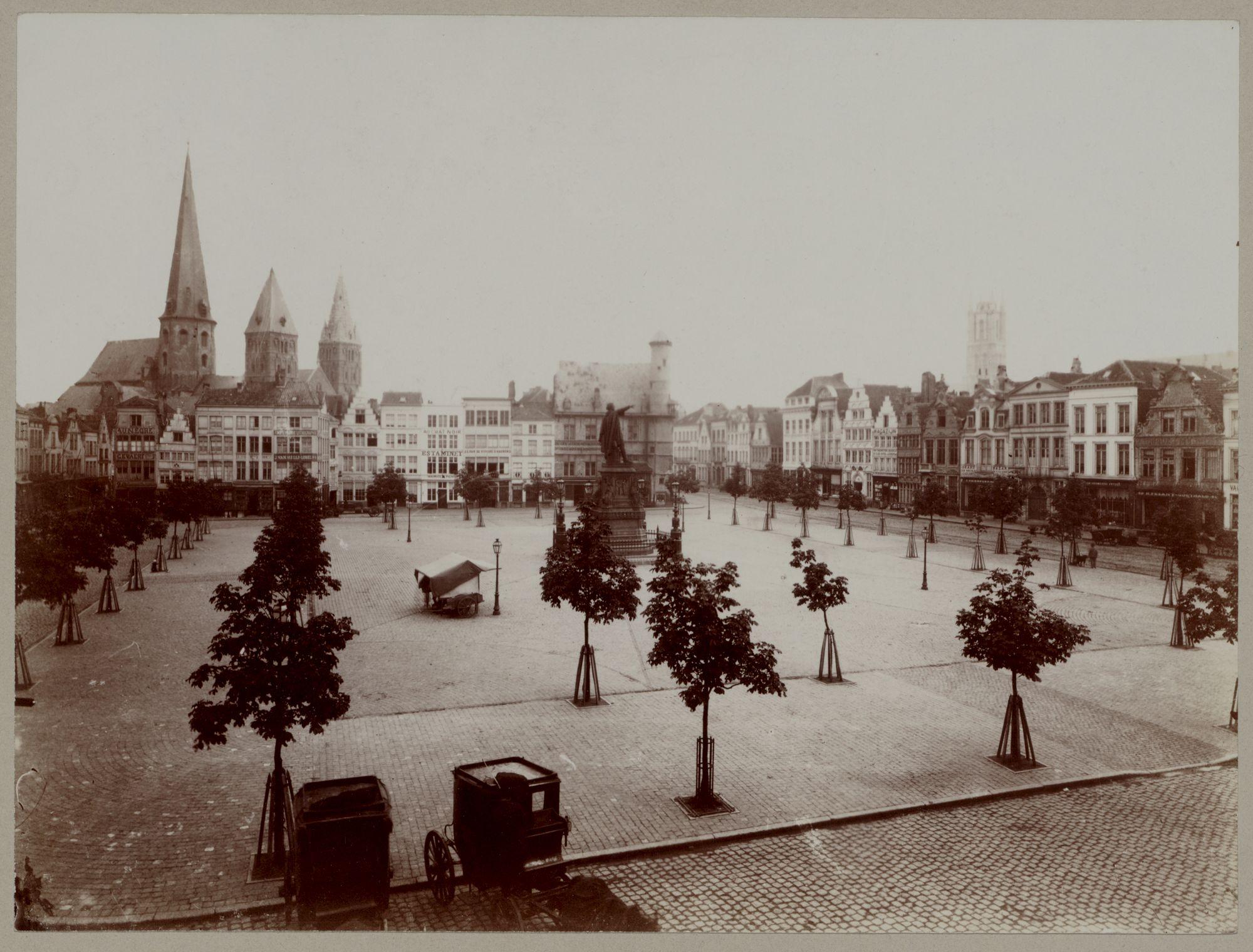 Gent: Vrijdagmarkt, panoramische foto