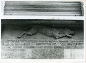 Gent: Wolfstraat 3: Beeldhouwwerk, 1980