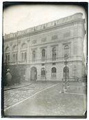 Gent: Koophandelsplein 21: Nieuw of Klein Justitiepaleis (Duits krijgshospitaal voor lichtgewonde officieren): straatbeeld vanop de Ketelbrug, 1915-1916