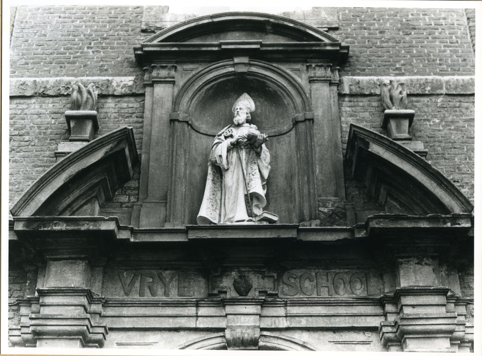 Gent: Sint Margrietstraat 9: Gevelbeeld