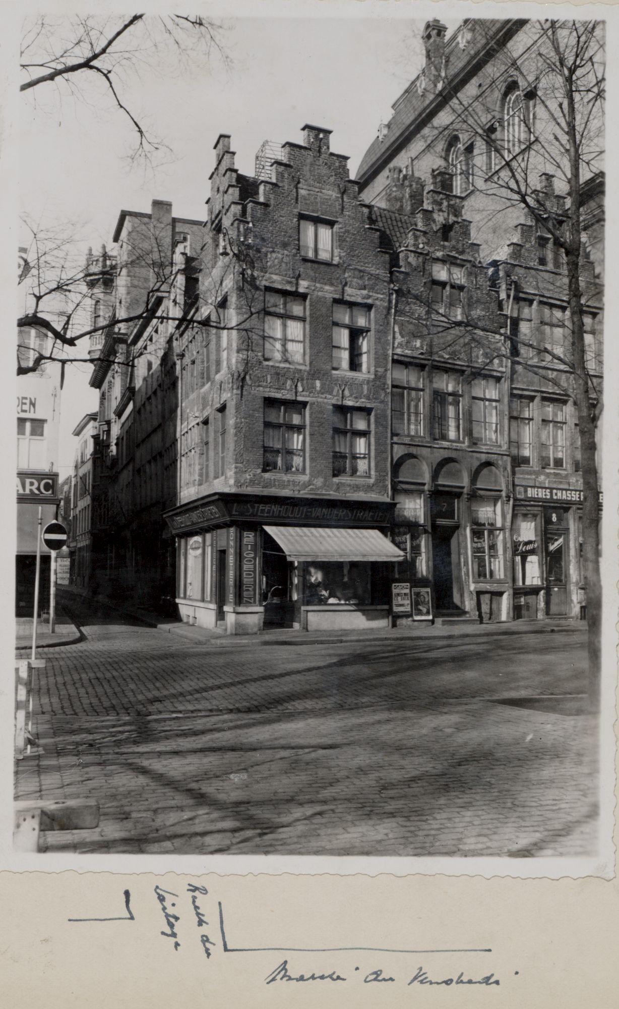 Gent: Vrijdagmarkt, Meerseniersstraat, Briewinkel van L. Steeenhoudt - Vanderstraeten, omstreeks 1900