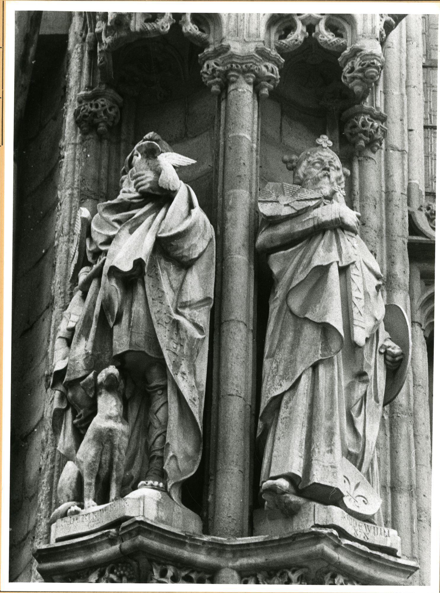 Gent: Botermarkt: stadhuis: nisbeelden: Liederick de Buck en Boudewijn den Ijzeren