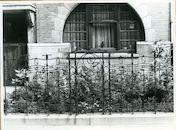 Gent: Muinkkaai 37: voortuin met hek