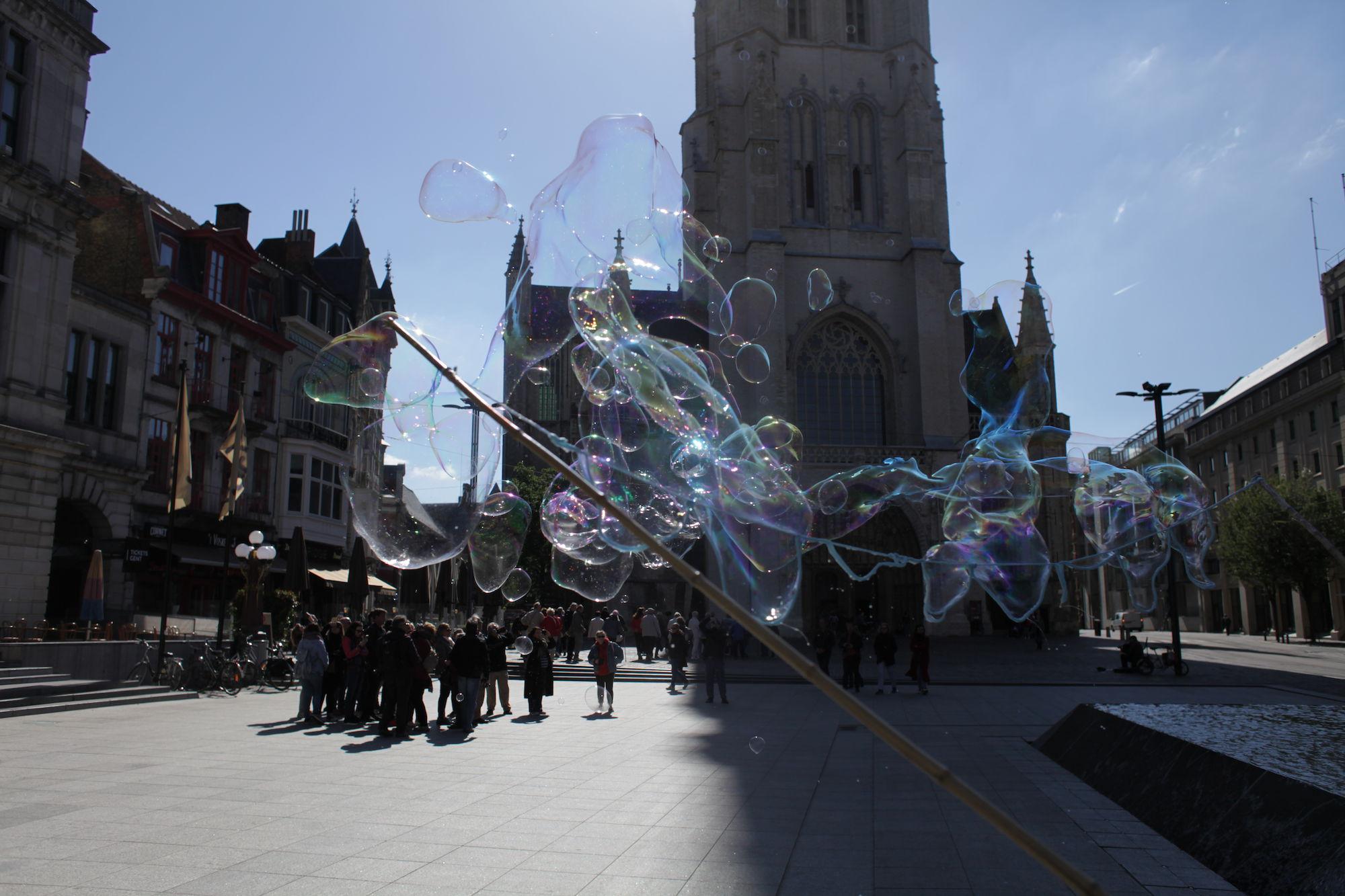 2019-05-14 Stad Gent_St Baafsplein Belfort Zeepbellen_IMG_9840.JPG
