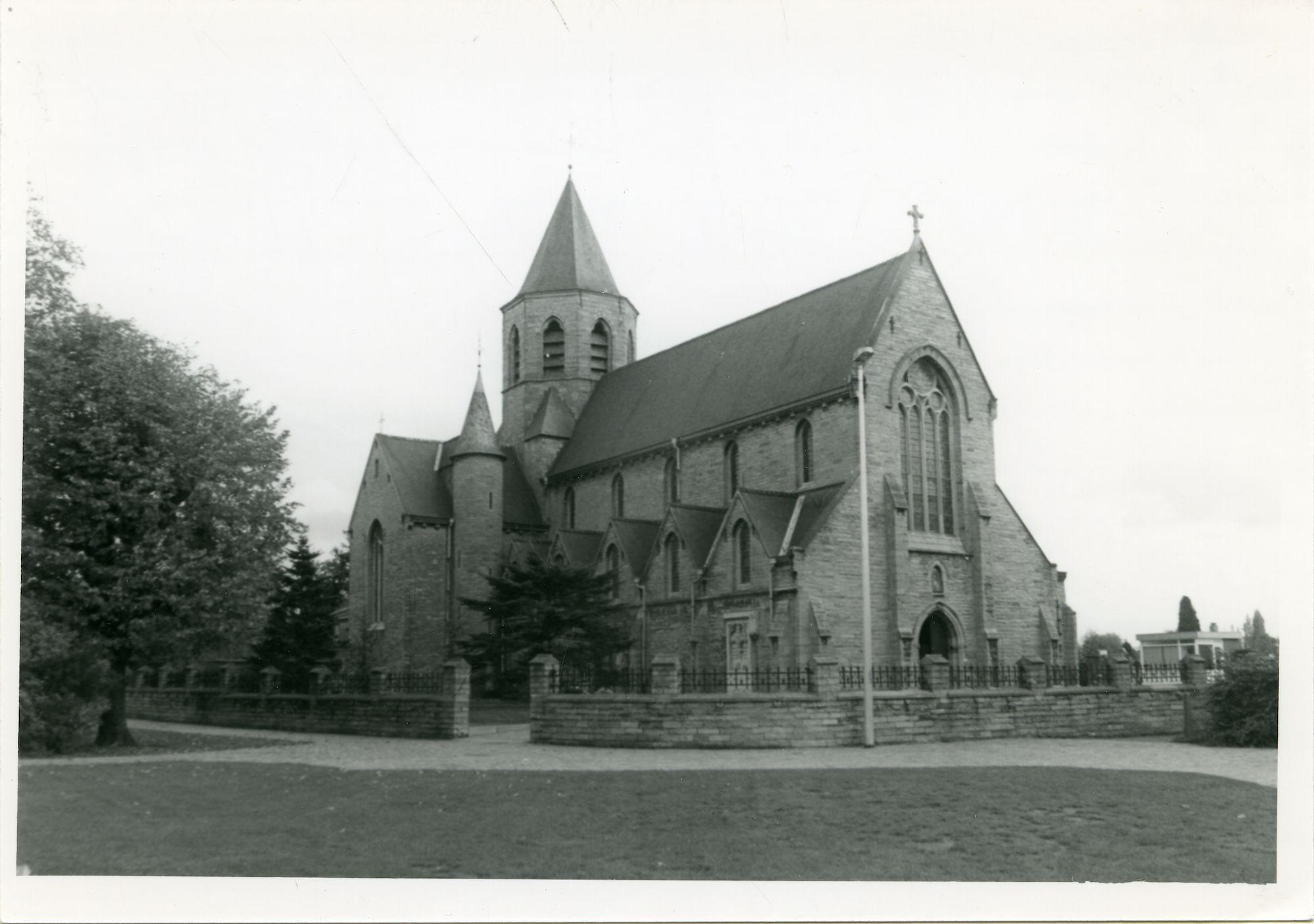 Mariakerke: Mariakerkeplein: Onze-Lieve-Vrouwkerk