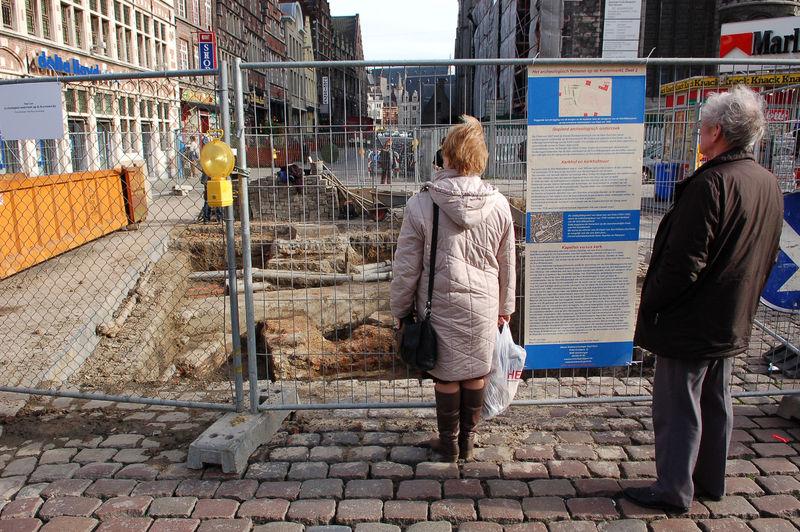 20070207_Korenmarkt_archeologische opgravingen_2efase.jpg