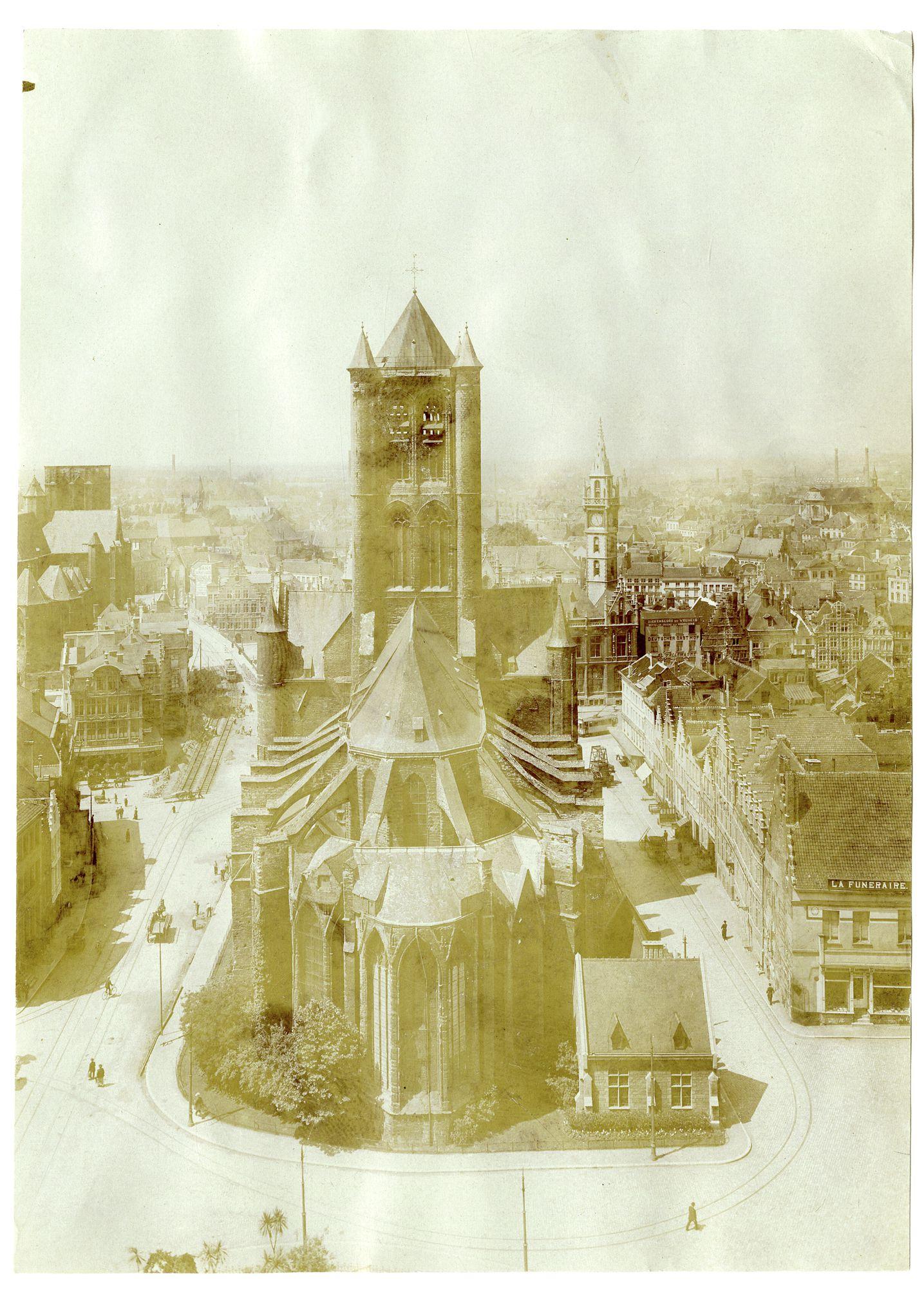 Gent: Sint- Niklaaskerk, van op het belfort