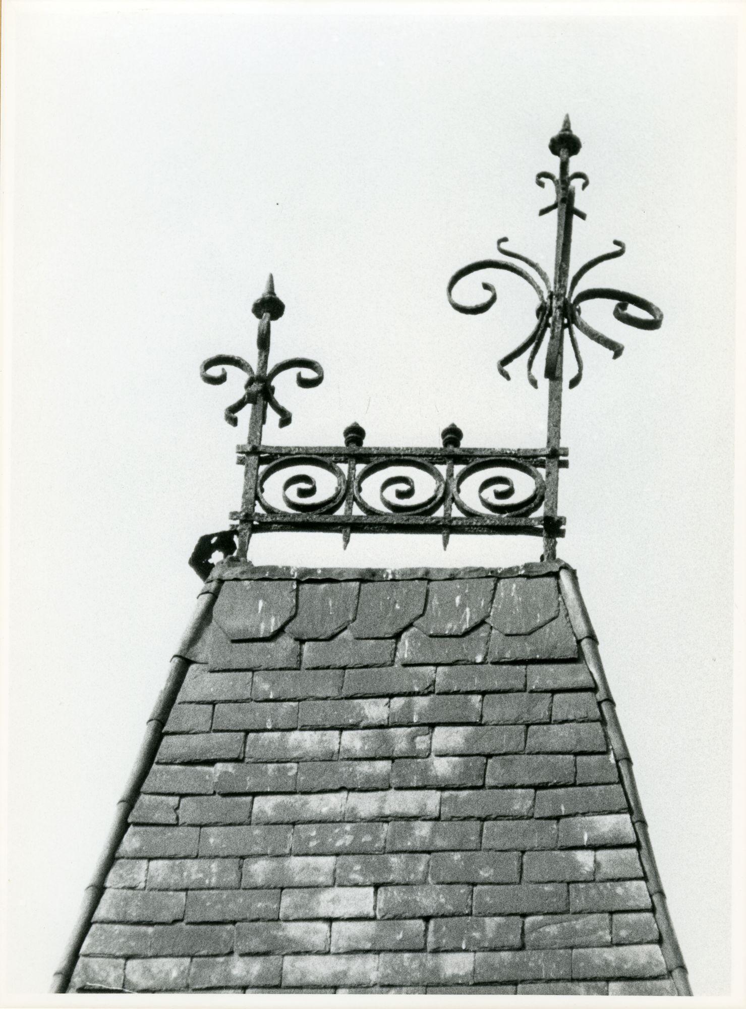 St.-Amandsberg: Bloemistenstraat 32: Nokversiering, 1979