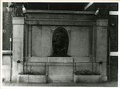 Gent: Griendeplein: gedenkteken: Wereldoorlog I en II, 1979