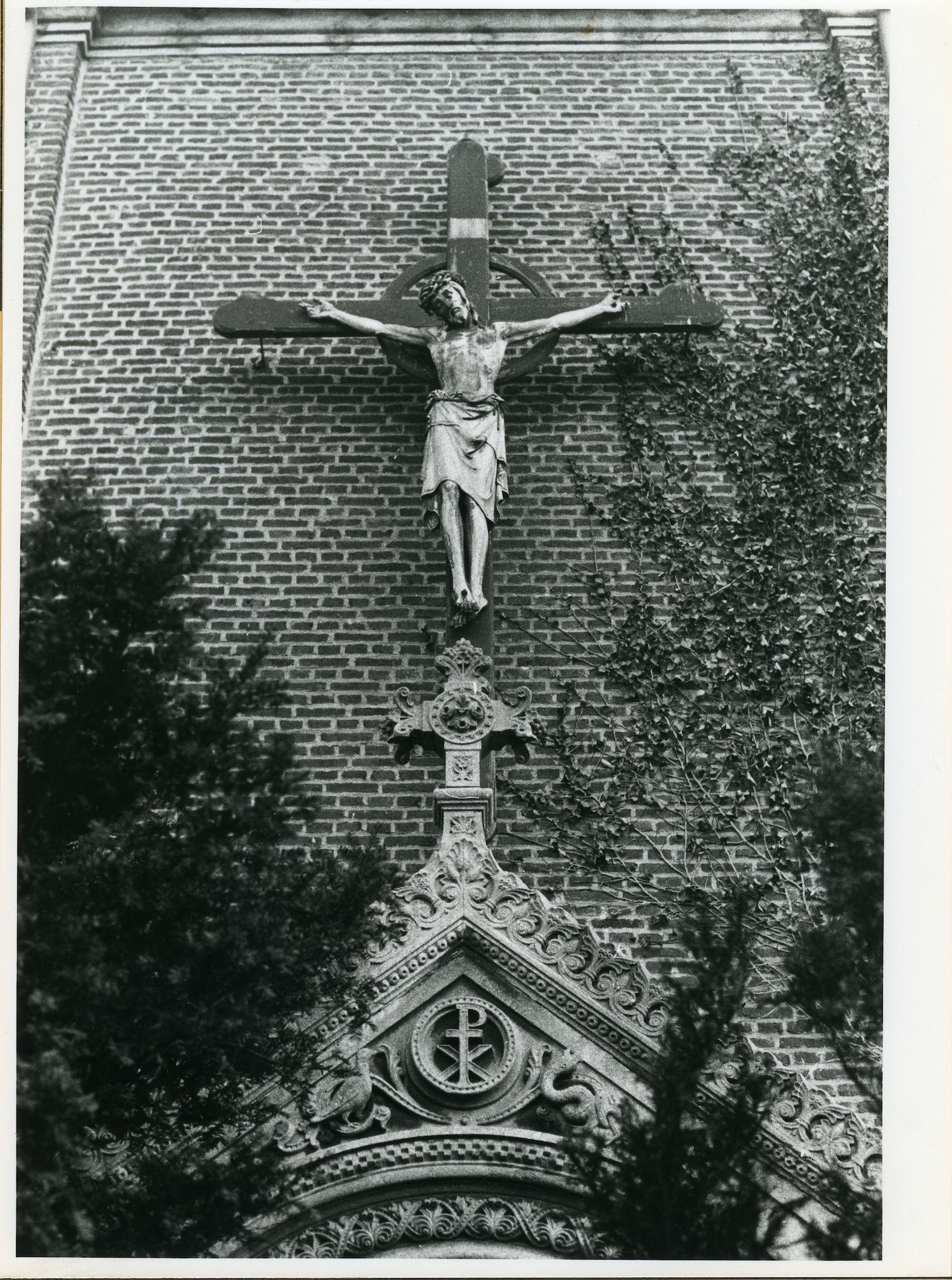 Sint-Amandsberg: Antwerpsesteenweg: Kruisbeeld