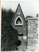 Gent: Fluweelstraat 21: kapel: Onze-Lieve-Vrouw met kind, 1979