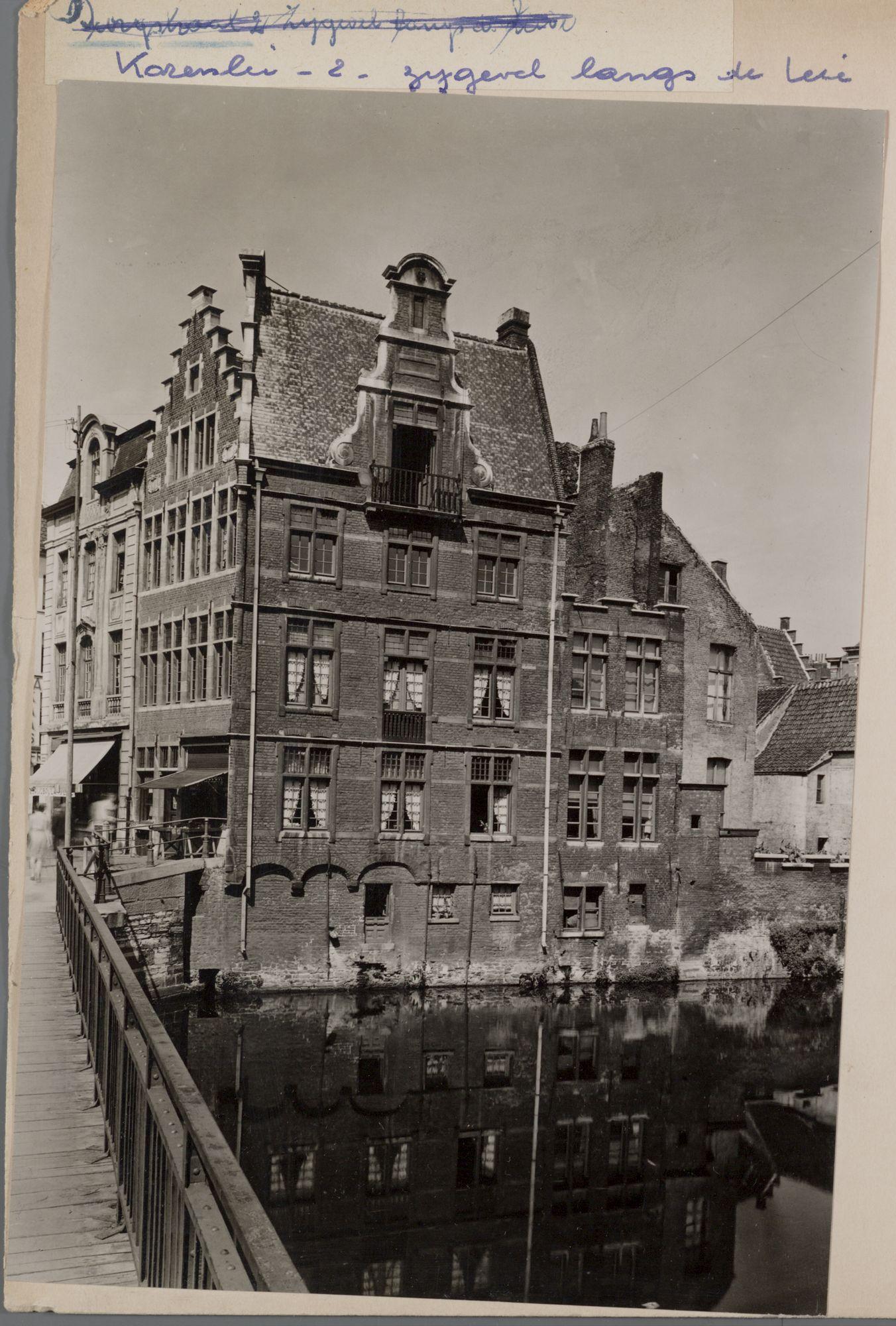 Gent: Korenlei 2, hoek Grasbrug, Leie