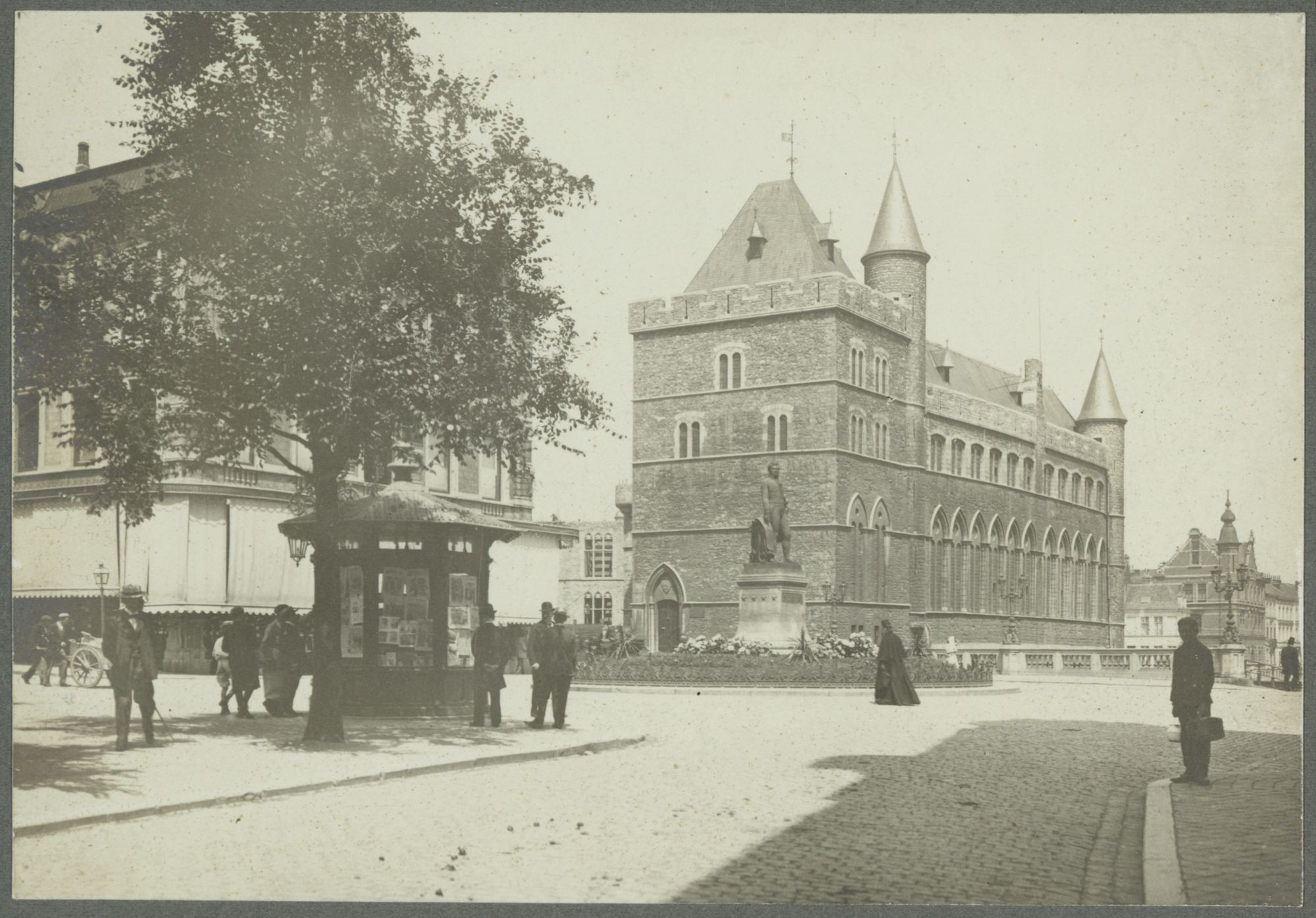 Gent: Lieven Bauwensplein, Geraard de Duivelsteen