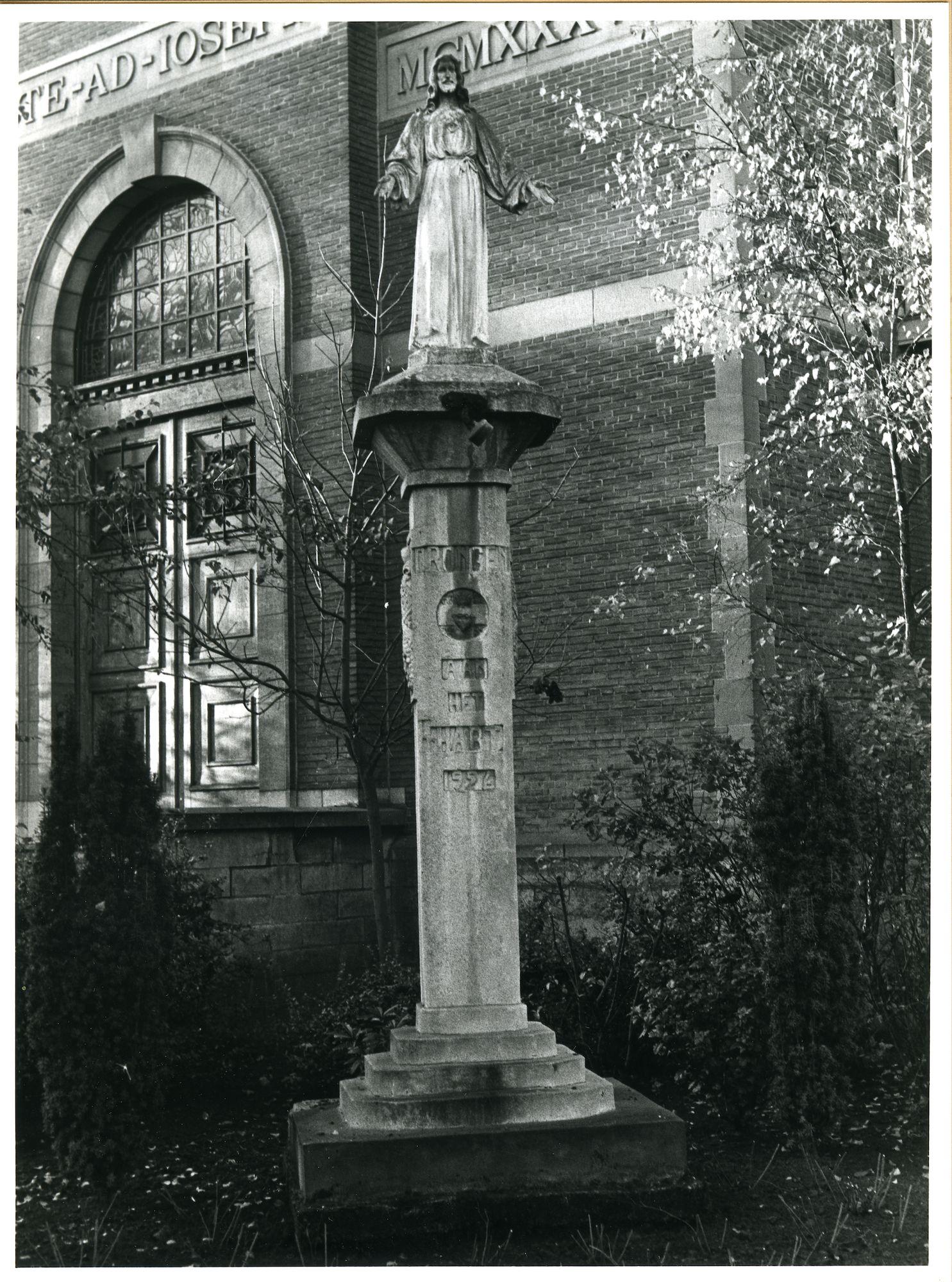 Drongen: Drongenplein: Standbeeld