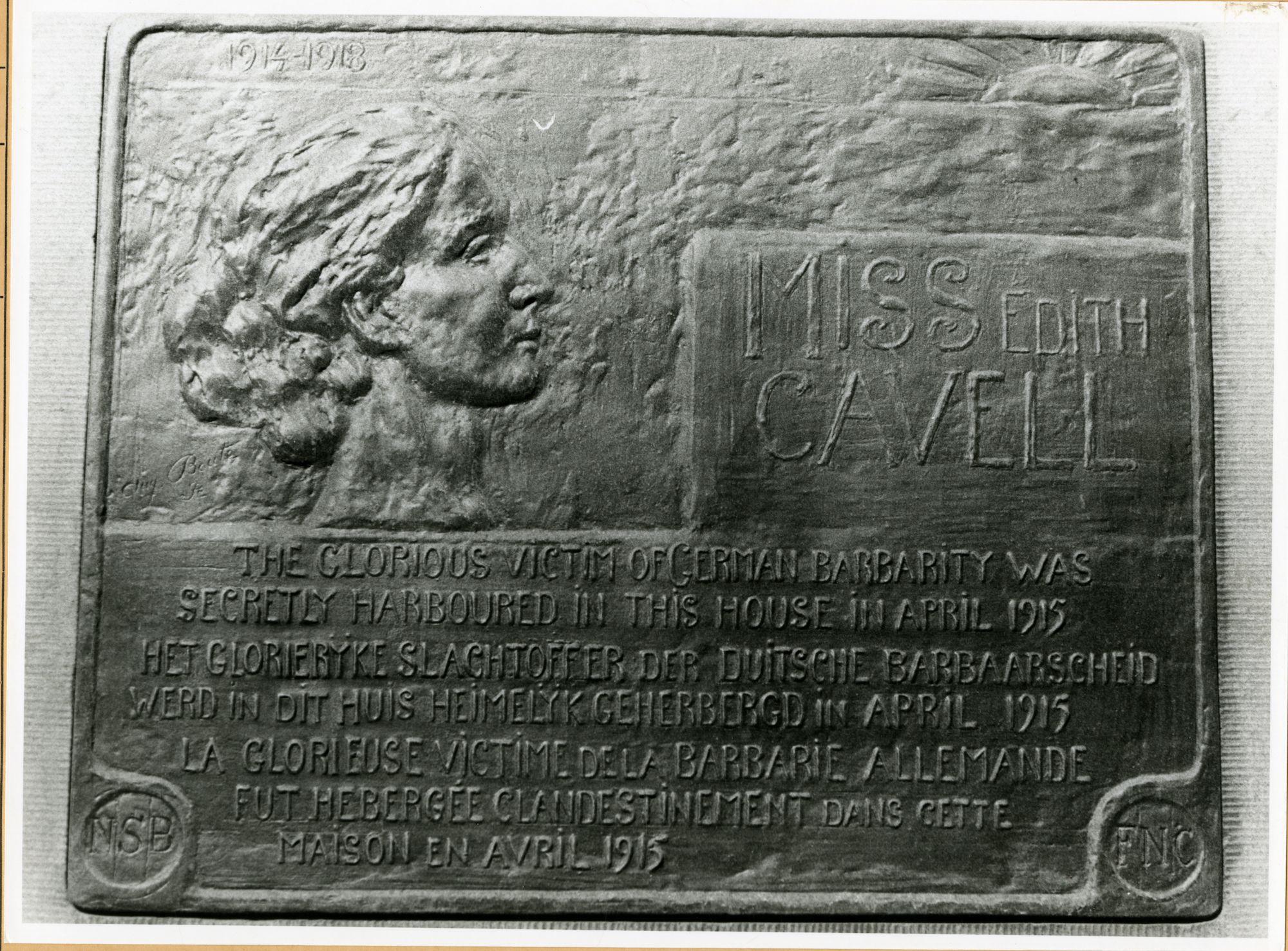 Gent: Kortrijksesteenweg 108: Gedenkplaat Edith Cavell