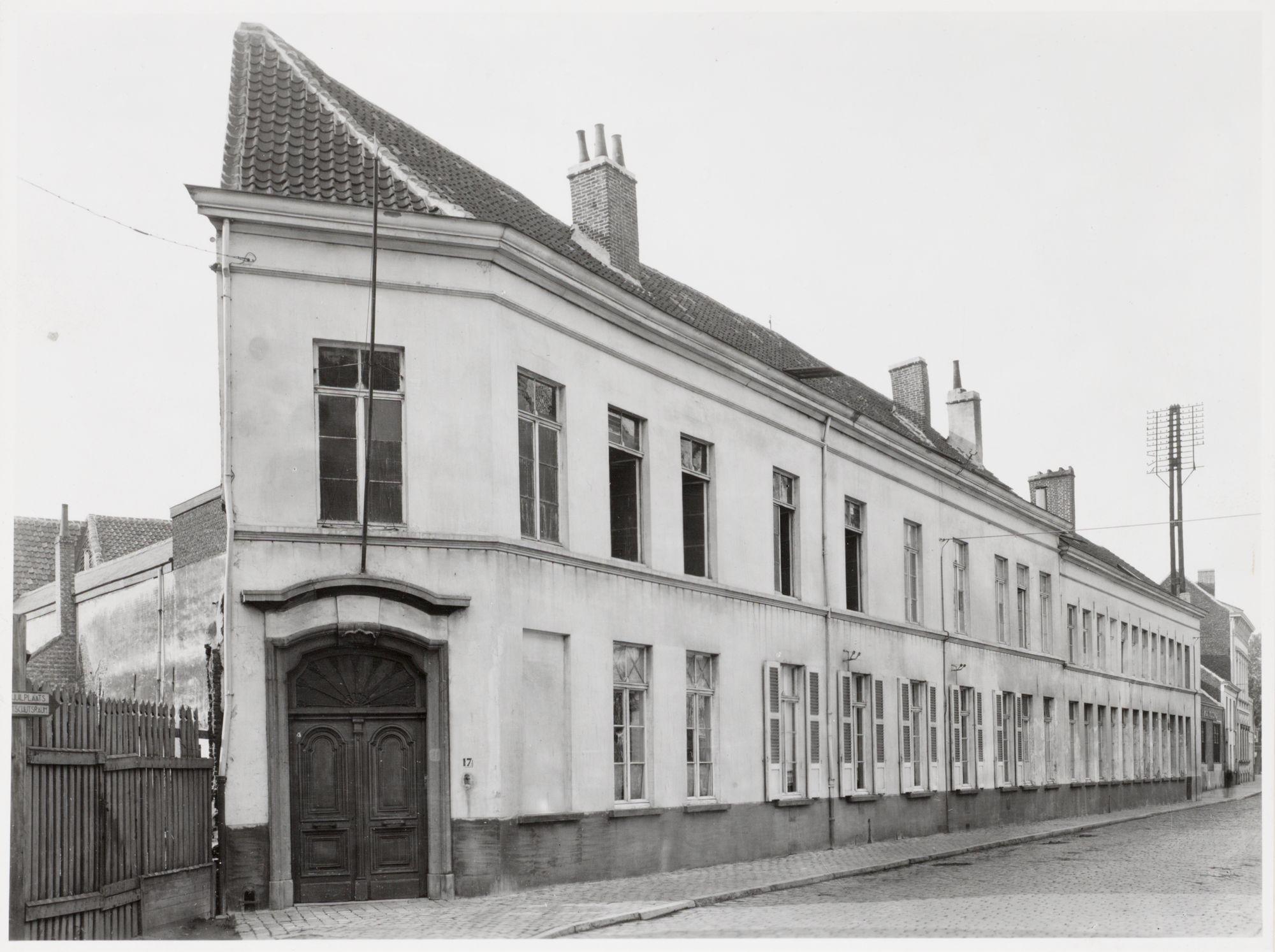 Gent: Rodelijvekensstraat 17